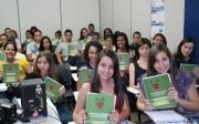 Cursinho Pr� Vestibular Municipal entrega material did�tico aos alunos