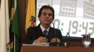Dr Heitor Campos pede explicações sobre contratos e cobra atuação dos Vereadores
