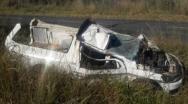 Motorista de carro funerário sofre acidente em curva na BR 040