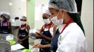 Fábrica de Biscoitos São Domingos abre as portas para empresariado paracatuense