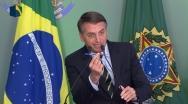 Bolsonaro assina decreto que flexibiliza a posse de armas no Brasil