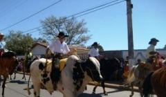 Cavalgada abre ExpoParacatu em alto estilo