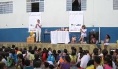 Secretaria de Educação promove palestra sobre higiene bucal