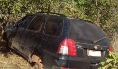 Ve�culos roubados s�o recuperados pela Policia e moradora presa por obstru��o