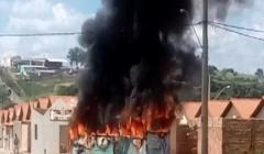 Criminosos incendeiam ônibus no Chapadinha em represália a ação Policial