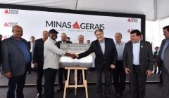 Governador entrega ponte que liga Brasilândia de Minas a Paracatu na LMG 680