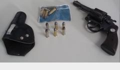 Advogado com revólver é preso numa oficina em João Pinheiro