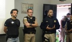Mega operação policial apreende drogas e materiais roubados em transportadora