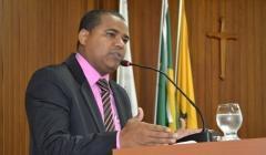 Marcos Oliveira reivindica agilidade na construção da Avenida no Alto do Açude