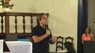 Eros Biondini participa de Grupos de Ora��o em Paracatu