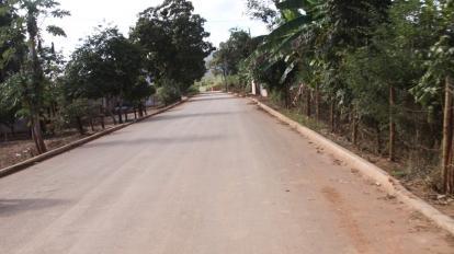 Prefeitura de Paracatu entrega pavimenta��o asf�ltica no Povoado do Cunha.