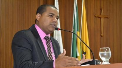 Marcos Oliveira destaca Semana da Cultura Crist� durante reuni�o na C�mara