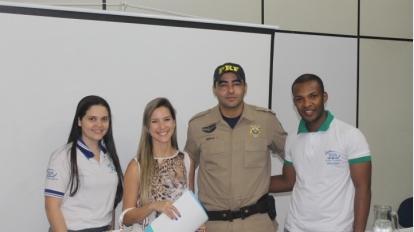 Alunos do Curso T�cnico em Seguran�a do Trabalho recebem palestra sobre Seguran�a no Tr�nsito, ministrada pela Pol�cia Rodovi�ria Federal-PRF