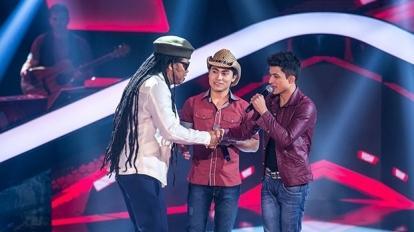 Ricardo e Ronael se apresentam no The Voice Brasil, na Rede Globo