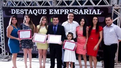 Destaque Empresarial entrega a premia��o para as melhores empresas de 2013/14 em Paracatu