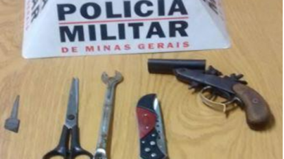 Dois homens s�o presos com armas e chave micha no bairro JK
