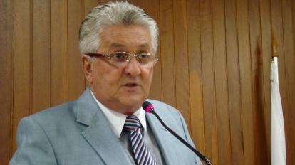 Vereador pede ao MP que entre com a��o contra empresa respons�vel pela ilumina��o p�blica em Paracatu