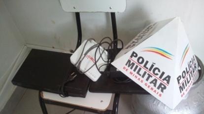Pol�cia Rodovi�ria Estadual prende suspeito de furto na rodovia MG 188