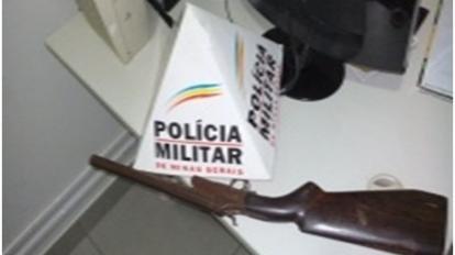 Pol�cia Rodovi�ria Estadual apreende arma de fogo com suspeitos em motocicleta na rodovia MG 188