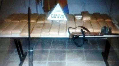 Den�ncia an�nima resulta em mais de 30 Kg de maconha apreendida pela PM em Buritis