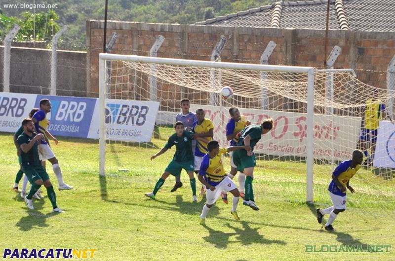 Paracatu vence o Gama pela segunda rodada do Candangão - Notícias ... c9e68f222826a
