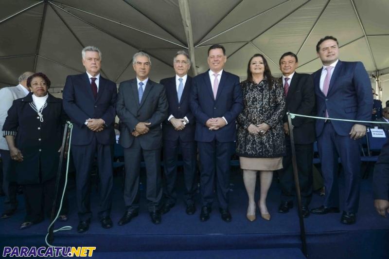 Governador de Minas é homenageado pelo Governo de Goiás